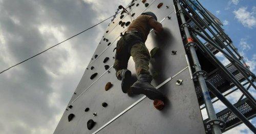 """""""Internationaler Mönchengladbacher Militärwettkampf"""": Bundeswehr lädt zum Vielseitigkeitsturnier ins Schloss Rheydt"""