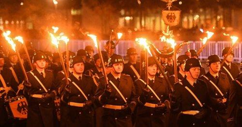Häme gegen Militärehren: Der verkrampfte Umgang mit der Bundeswehr