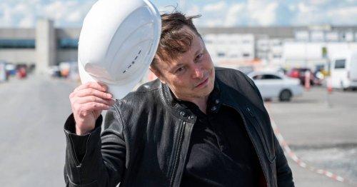 "Elon Musk besucht Baustelle: Tesla verschiebt Eröffnung der ""Giga-Factory"" in Grünheide"