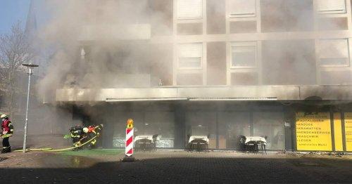 Im Stadtteil Büttgen: Starke Rauchentwicklung bei Restaurantbrand in Kaarst