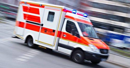 Unfall in Mönchengladbach: Radfahrer stürzt nach Zusammenstoß mit Hund - schwer verletzt