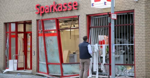 Täter brechen in Filiale ein: Sparkassen-Automat in Kapellen gesprengt