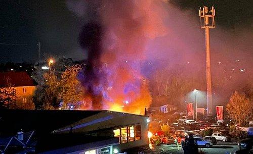 Nach dem Großbrand an der Kottendorfer Straße in Ohligs: Autohaus-Besitzer geht von Brandstiftung aus