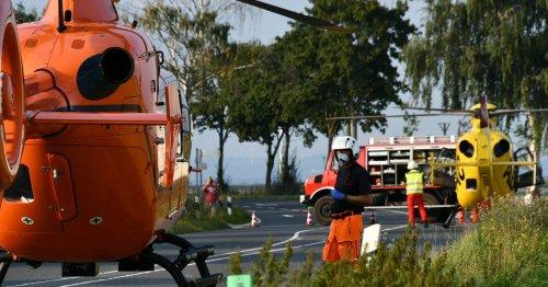 Familie aus Meerbusch: Auto schleudert in Erftstadt in Maisfeld - Mutter stirbt, Vater und Kind verletzt