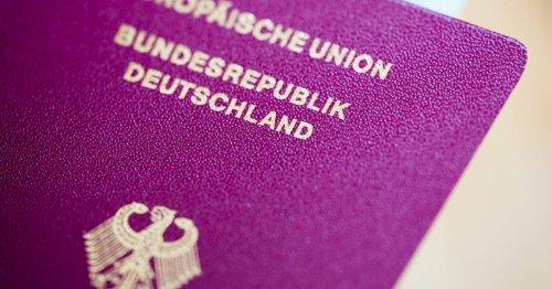 Bürgerämter in NRW suchen nach Lösungen: Andrang auf neue Reisepässe und Personalausweise