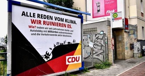 Politik in Düsseldorf: Unbekannte hängen in der Nacht vermeintliche CDU-Plakate auf
