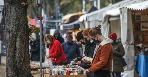 Auf der Kö ist wieder Bücherstöbern angesagt: Herbstliches Bücherbummeln