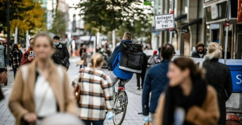 Neue Ideen für Düsseldorf: Anlieger fordern Markt für die Schadowstraße - Kritik am Radweg