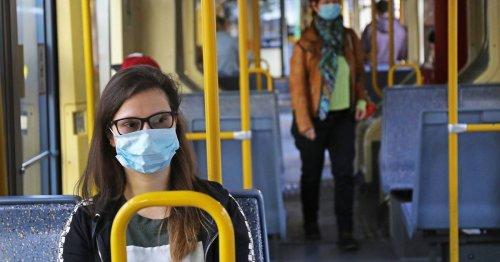 Gilt seit Samstag: Keine FFP2-Maskenpflicht mehr in Bussen und Bahnen in NRW