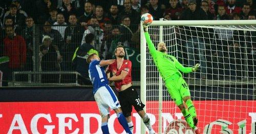 2. Bundesliga: Schalke jubelt ganz spät in Hannover