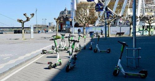 Verkehr in Düsseldorf: Stadt will feste Parkplätze für E-Scooter
