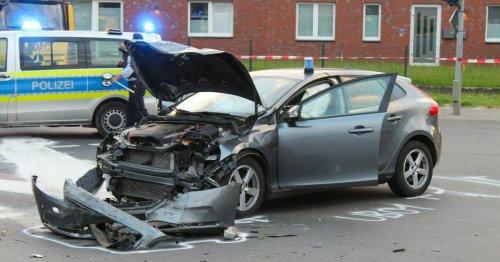 Unfall in Viersen: Nach Zusammenstoß von Polizeiautos laufen Ermittlungen weiter