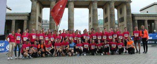 Schule: Gaesdoncker auf Inlinern beim Berlin-Marathon