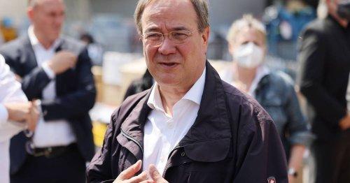 Politbarometer-Umfrage: Armin Laschet stürzt ab