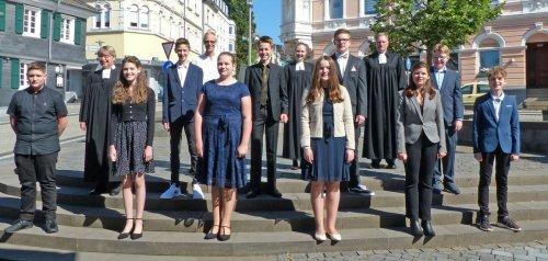 Konfirmation in Wermelskirchen: Auftakt der Konfirmationen in der Stadtkirche gefeiert