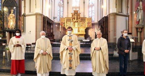 Primiz in Mönchengladbach: Barfuß und in Sandalen am Dreifaltigkeitssonntag ins Priesteramt