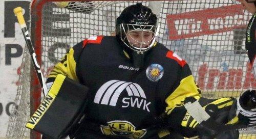 Der erste Abgang steht fest: Torwart Nils Kapteinat verlässt die Krefeld Pinguine