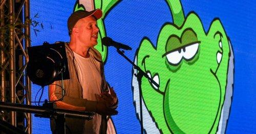 Festivalauftakt in Moers: Ein Comic-Held auf der Comedy-Bühne