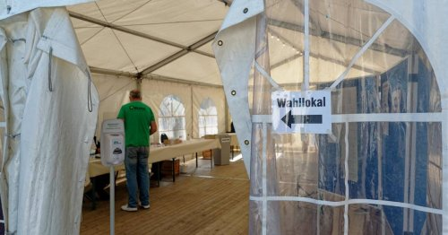 Wahl am Sonntag: Bürger in den Flutgebieten stimmen auch in Zelten ab