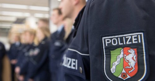 Sonderbericht nach rechtsextremen Chats: NRW-Innenminister: Keine rechtsextremen Netzwerke bei der Polizei