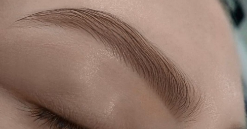 Beauty expert says a good brow shape can make you look ten years younger