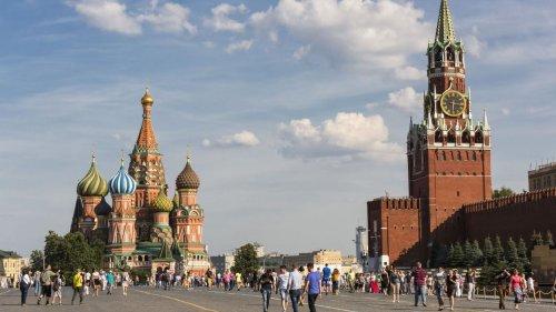 Coronavirus : Vladimir Poutine décrète une semaine de congés payés pour tenter d'enrayer la vague meutrière