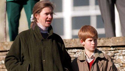 """L'ex nounou des princes Harry et William, que les rumeurs disaient """"enceinte"""" de Charles, reçoit 117.000 euros de dédommagement"""