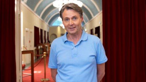 """Teil der Impf-Kampagne """"Deutschland krempelt die Ä: GZSZ-Star Wolfgang Bahro macht sich stark fürs Impfen   Video   VIP.de"""