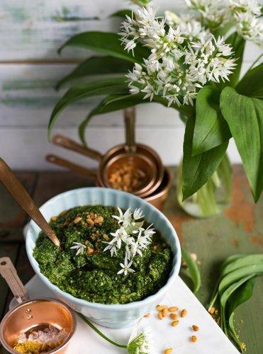 Bärlauchpesto - das beste Bärlauch Rezept, der Klassiker selbstgemacht
