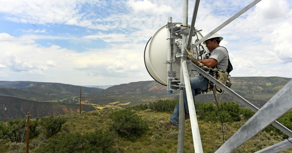White House touts broadband part of new infrastructure deal