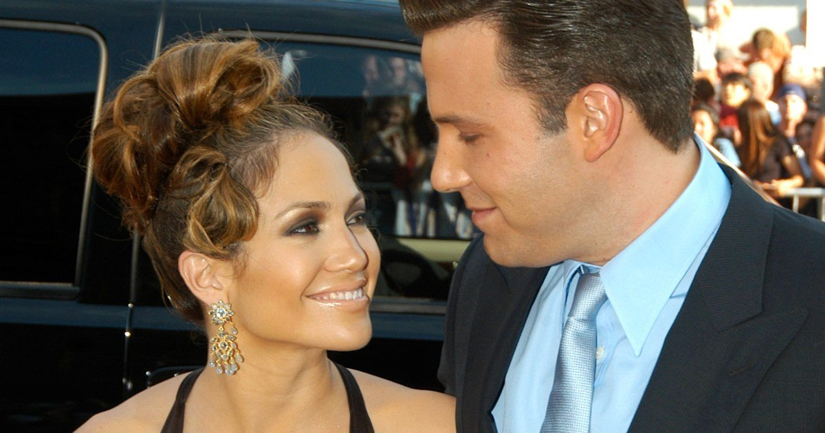 J.Lo included a subtle nod to 2002 engagement to Ben Affleck in 52nd birthday pics