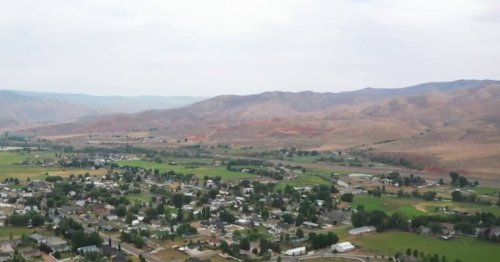 Utah town stops new housing construction due to drought