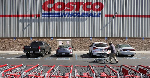 Dad lands dream job working at Costco after daughter's tweets go viral