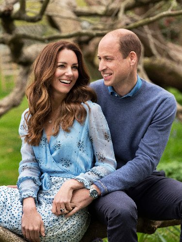 Prince William and Kate Middleton celebrate 10th anniversary with new romantic pics