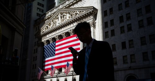 Wall Street analysts battle weight loss, high blood pressure and mental health issues from long hours