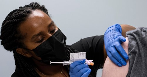 CDC expands eligibility for Covid booster shots, endorses 'mix and match' approach