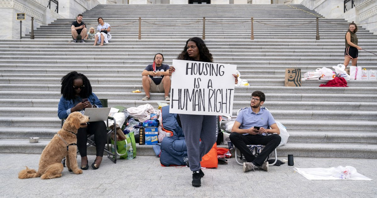 The enraging reason a congresswoman is living out of a sleeping bag on the Capitol steps
