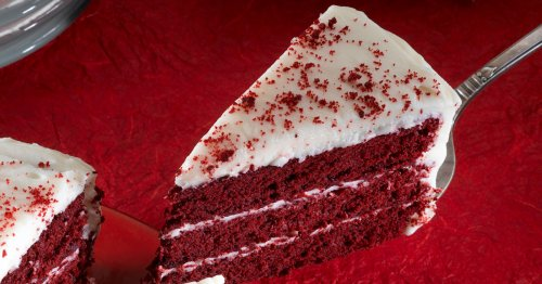 Make classic red velvet cake with cream cheese frosting