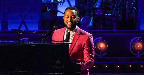 A Boston street performer sang 'All of Me.' Then John Legend showed up.
