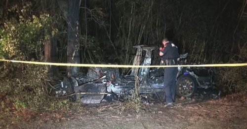 2 dead in Tesla crash after car 'no one was driving' hits tree, authorities say
