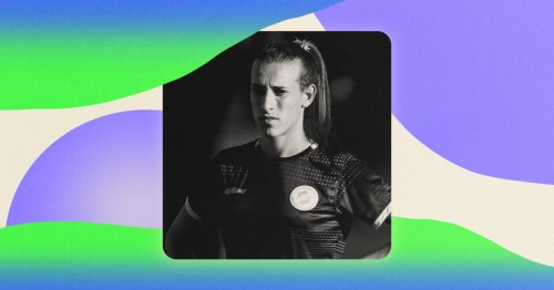 Mara Gomez, 1st trans woman to play pro soccer in Argentina, is 'breaking the binary'