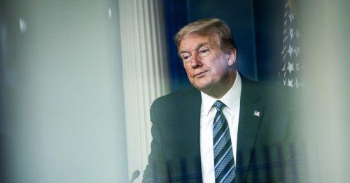 Trump's tax returns handed over to Manhattan prosecutors