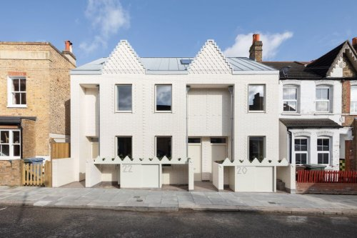 Fraher & Findlay completes terrace of three 'pencil' houses in Nunhead