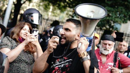 Neue Hass-Welle gegen Juden und Muslime in sozialen Netzwerken