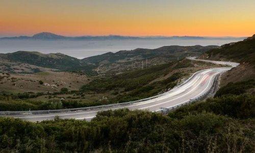 Ábalos lanza un plan para ampliar carreteras nacionales con tráfico alto
