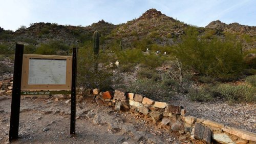 Couple goes separate ways during Arizona hike. Wife's body found hours later, cops say