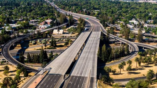 Caltrans completes Highway 99 work ahead of schedule. Crews replaced overpass at 21st Ave.