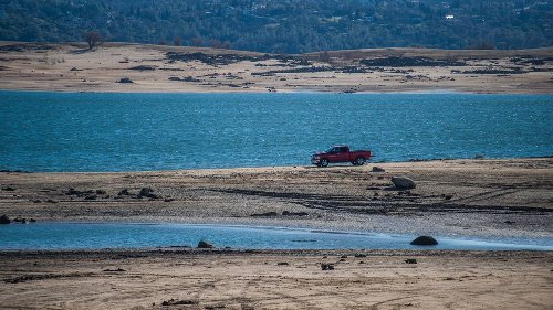 Sacramento residents urged to reduce water usage by 10% as California drought deepens