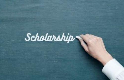 Altrusa Club awards scholarships