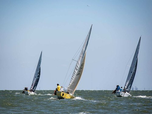 How To See Wind on the Water When Sailing